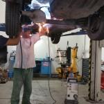 Servisné práce na podvozku auta