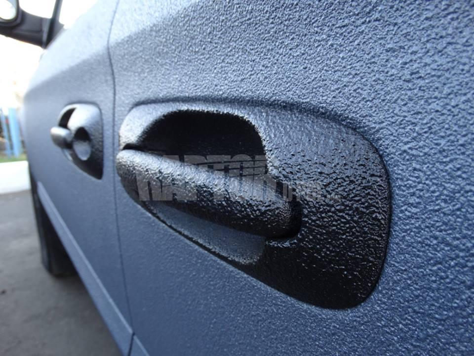 Gumový náter Total dip použitý na aute