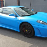 Total Dip na modrom aute