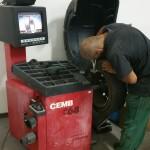 Práca s pneumatikou v pneuservise